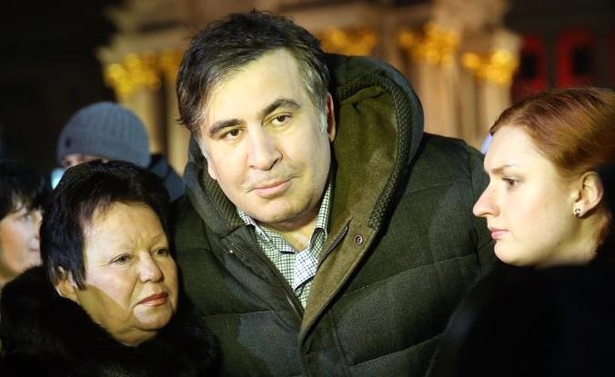 Михаил Саакашвили выступил перед СМИ во время церемонии памяти жертв Майдана, на площади Майдана 20 февраля 2015 года, Киев, Украина. Фото: Sean Gallup/Getty Images