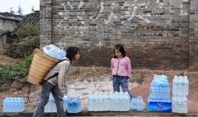 Бутилированная вода набирает популярность в разных странах по разным причинам