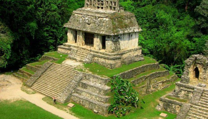 Надпись на гробнице царя майя расшифровывали 60 лет (видео)