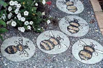 Оригинальная садовая дорожка из камня . Фото: liveinternet.ru3