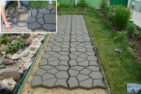 Садовая дорожка из бетона. залитого в форму. Фото: liveinternet.ru
