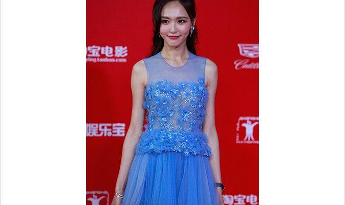 Китайская актриса Тиффани Тан появилась на красной дорожке в подделке