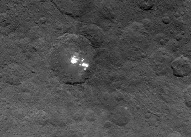 Космический зонд Dawn получил новое изображение Цереры, сделанное с расстояния 4 400 км. Фото: NASA
