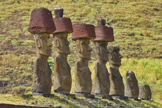 Статуи моаи на острове Пасхи. Фото: Christian Wilkinson/iStock