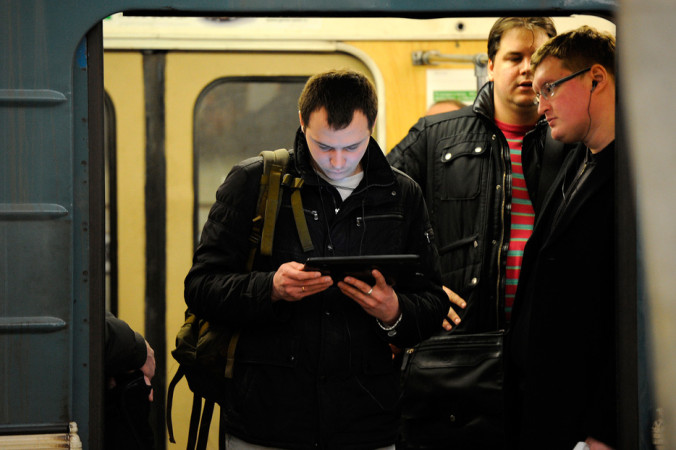 Дептранс: Пользоваться Wi-Fi в вагоне метро одновременно могут около 100 человек