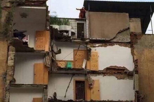 В китайской провинции за месяц рухнули три жилых дома