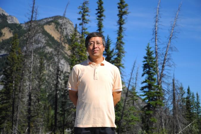 Винстон Лю в национальном парке Banff, Canada, 2011 г. Сейчас он работает инженером в транснациональной химической компании в Вайоминге, Канада. В 1999 году он был студентом факультета теплоэнергетики и занимался Фалуньгун. Фото: Courtesy of Winston Liu