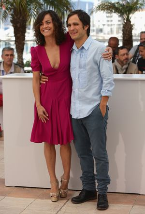 """CANNES, FRANCE - MAY 18:  Actors Alice Braga and Gael Garcia Bernal attend the """"El Ardor"""" photocall at the 67th Annual Cannes Film Festival on May 18, 2014 in Cannes, France.  (Photo by Neilson Barnard/Getty Images)"""