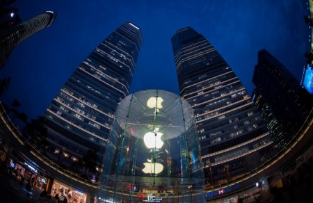 Магазин Apple в Шанхае, 16 октября 2014 года. Фото: JOHANNES EISELE / AFP / Getty Images