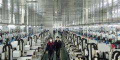 Рабочие китайской фабрики массово вышли из компартии