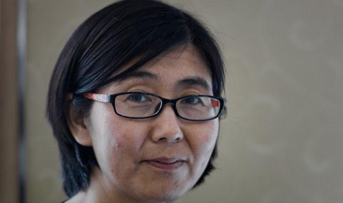 Китайские государственные СМИ обрушились с критикой на известного адвоката (видео)