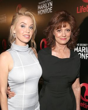 "LOS ANGELES, CA - MAY 11:  Actresses Kelli Garner and Susan Sarandon attend Lifetime's ""The Secret Life of Marilyn Monroe"" Premiere Event at The Theater at The Ace Hotel on May 11, 2015 in Los Angeles, California.  (Photo by Jesse Grant/Getty Images for Lifetime)"