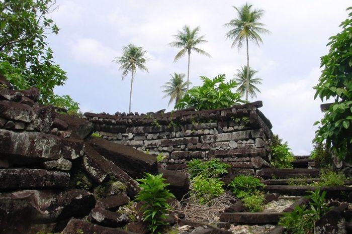 Руины Нан Мадол. Фото: CT Snow via Wikimedia Commons