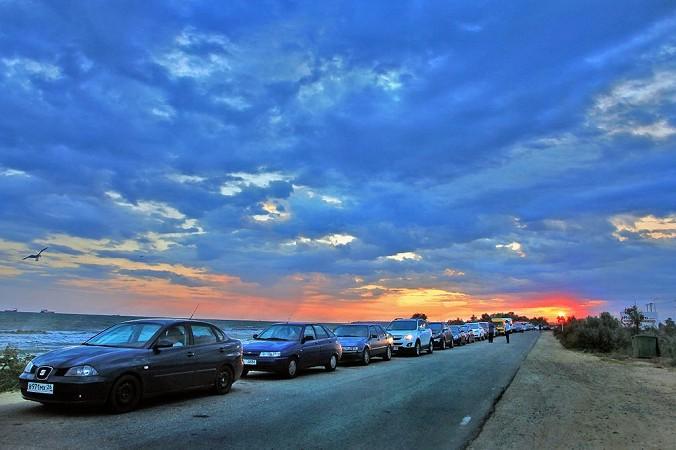 Автомобили в очереди на паром. Порт Кавказ, июль 2014 год. Фото: Aleksander Kaasik/commons.wikimedia.org/CC BY-SA 4.0
