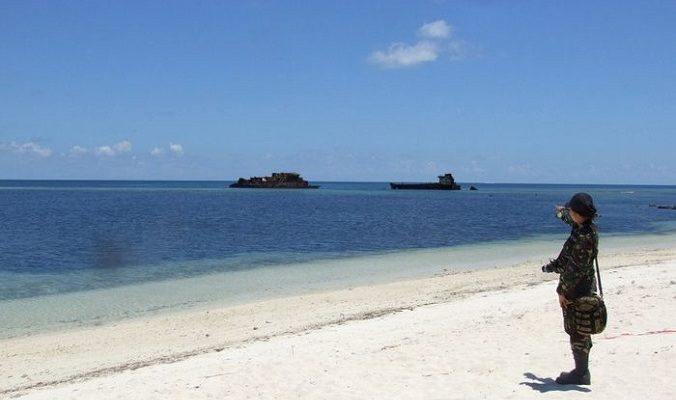 Власти КНР завершают строительство аэродрома на спорных островах Спратли
