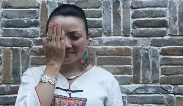 Как вышивка на листьях изменила жизнь китаянки