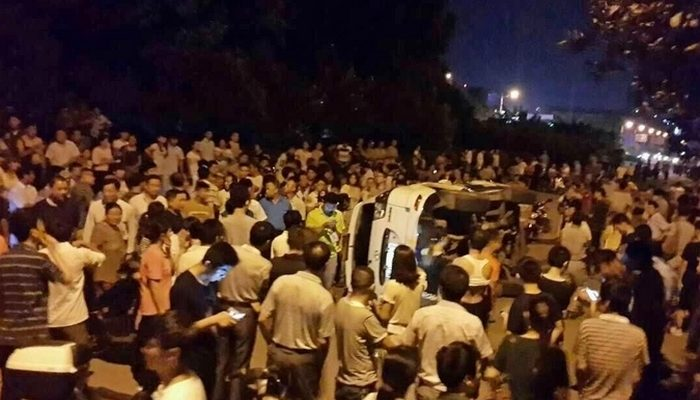 Массовые протесты произошли на востоке Китая из-за недобросовестных врачей