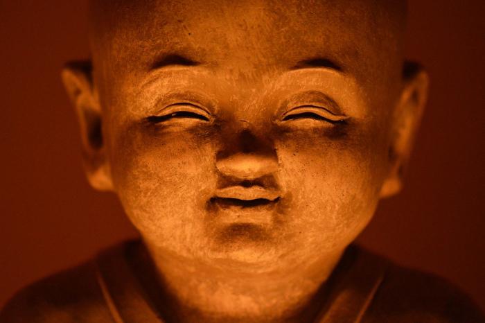 Внутри тысячелетней статуи Будды обнаружена мумия (видео)