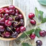 Нет ничего лучше свежих ягод, успейте в полной мере наесться ими в летний сезон. Фото: С.Марина/iStock
