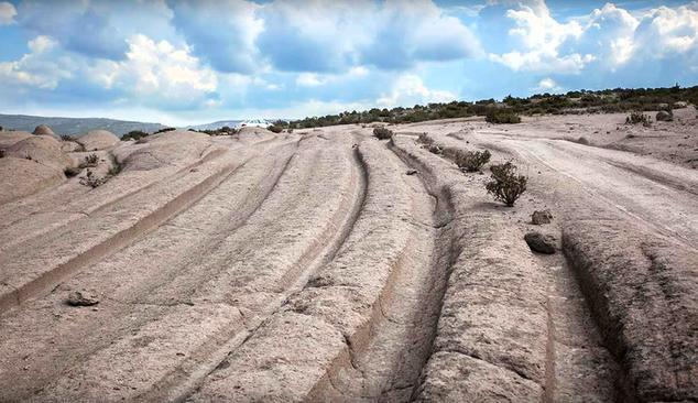 Широкие и глубокие окаменелые следы во Фригийский долине, Турция. Фото: Скриншот YouTube / DAHBOO77