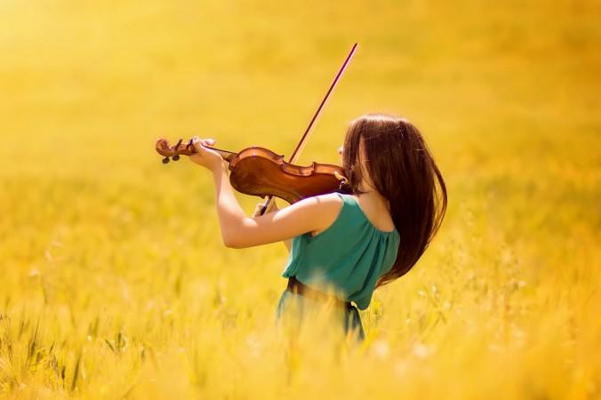 Музыка — одна из лучших вещей, которую можно подарить детям. Фото: Fotolia