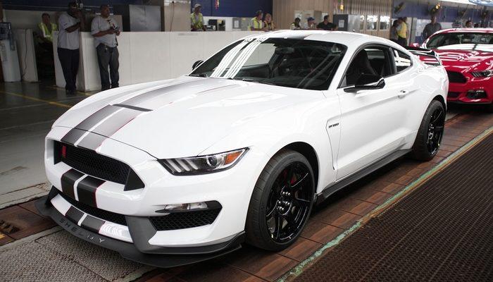С 1 сентября поднимутся цены на автомобили Ford и Suzuki