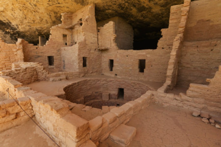 Spruce-Tree-House-Mesa-Verde-National-Park-shutterstock_102448676-WEBONLY