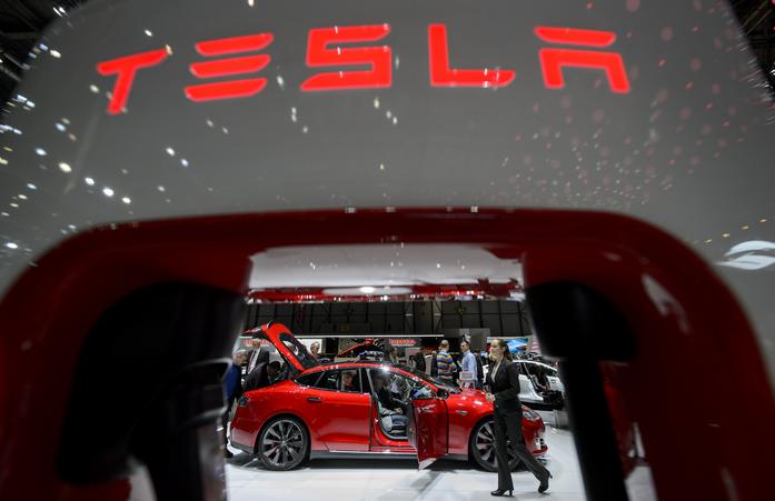 Tesla Motors, Tesla, электрокар, зарядка, Элон Маск