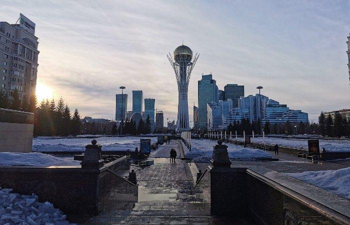 В Казахстане коммерческие банки приостановили продажу долларов