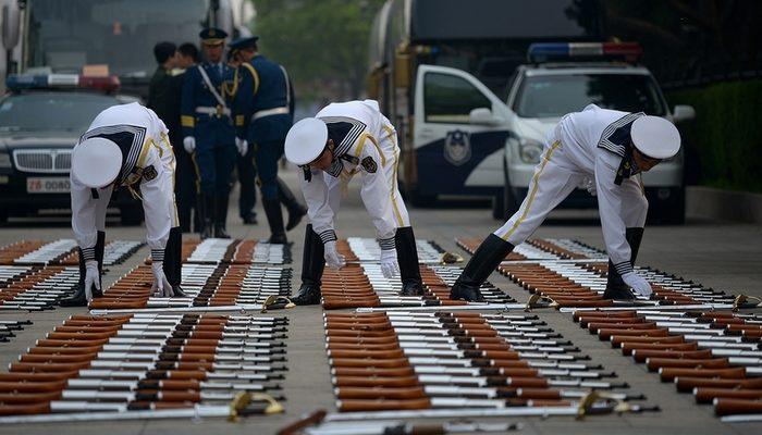 Накануне военного парада власти Китая пытаются нейтрализовать негативные новости