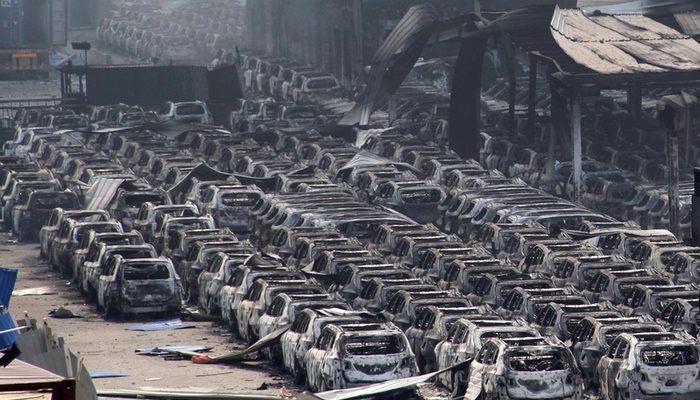 Почему Си Цзиньпин и Ли Кэцян не посетили город Тяньцзинь после трагедии