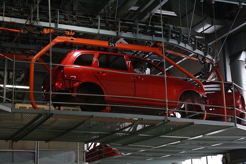 Кузов Lada Kalina движется по главному конвейру АвтоВАЗа. Фото: Sildream/wikipedia.org/CC BY-SA 3.0