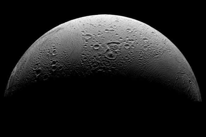 Cпутник Сатурна Энцелад. Фото: NASA
