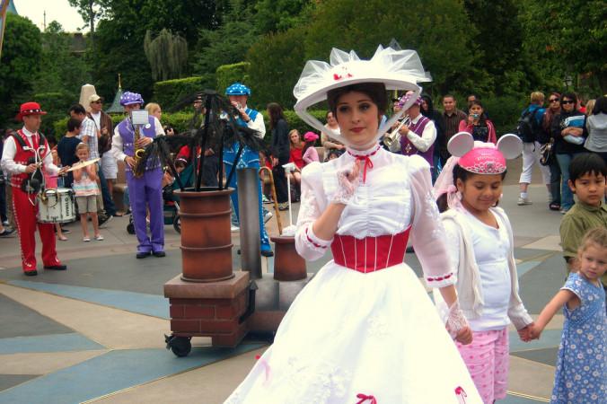 Мэри Поппинс в парке Disneyland. Фото: PROLoren Javier/flickr.com/CC BY-ND 2.0
