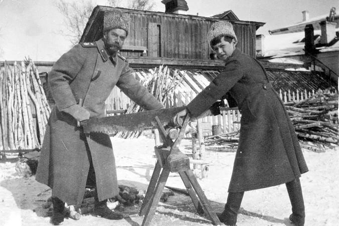 Николай II с цесаревичем Алексеем в ссылке в Тобольске, 1917 год. Фото: Ras67/wikipedia.org/ public domain