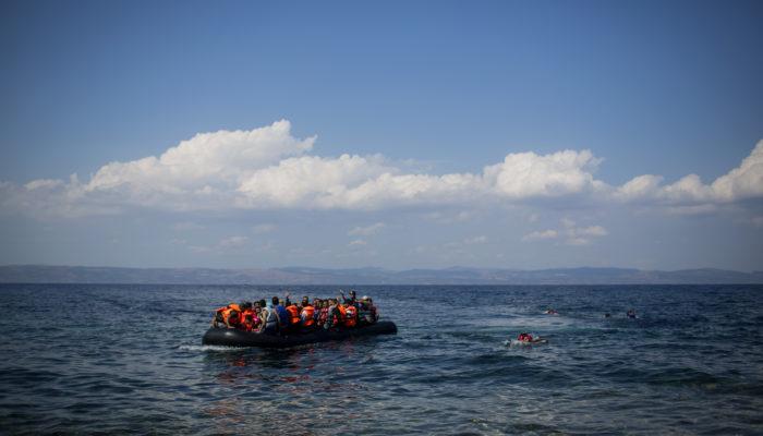 У берегов Ливии затонуло судно с африканскими мигрантами
