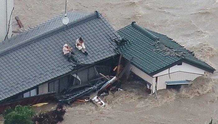 Японские города уходят под воду (видео)