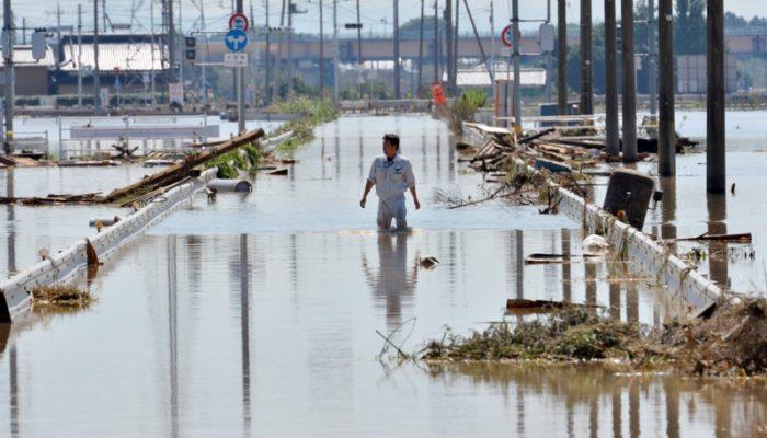 В Японии из-за наводнений эвакуированы более 100 тысяч человек
