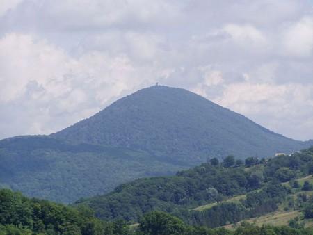 Горы Ахун. Фото: commons.wikimedia.org