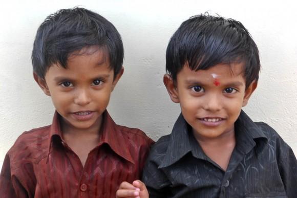 Близнецы в Индии. Фото: Perumalnadar/Public Domain