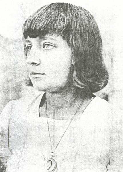 Marina_Tsvetaeva_(1913)