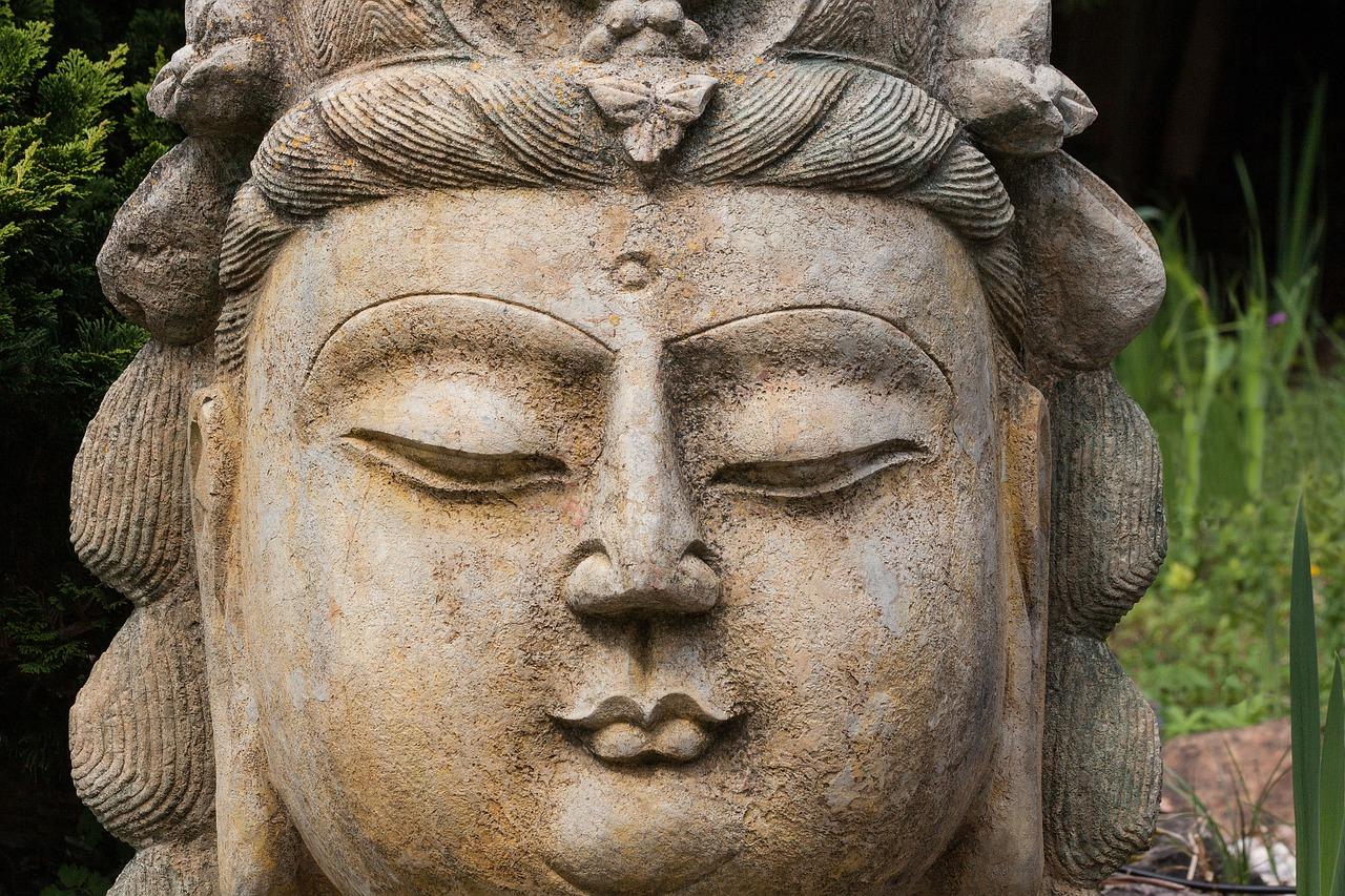 Статуя Будды с «третьим глазом». Фото: pixabay.com/CC0 Public Domain