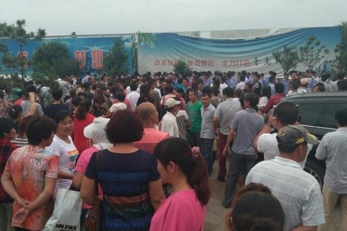 Протесты крестьян. Город Цзяочжоу провинции Шаньдун. Сентябрь 2015 года. Фото с epochtimes.com