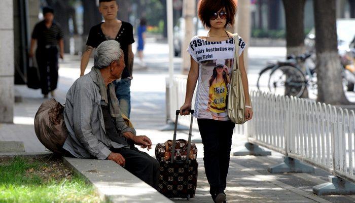 Соцопрос: китайцев больше всего волнует коррупция, экология и социальное расслоение