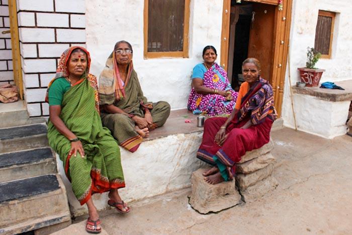 Мастерство пакистанских женщин находит рынок в Индии