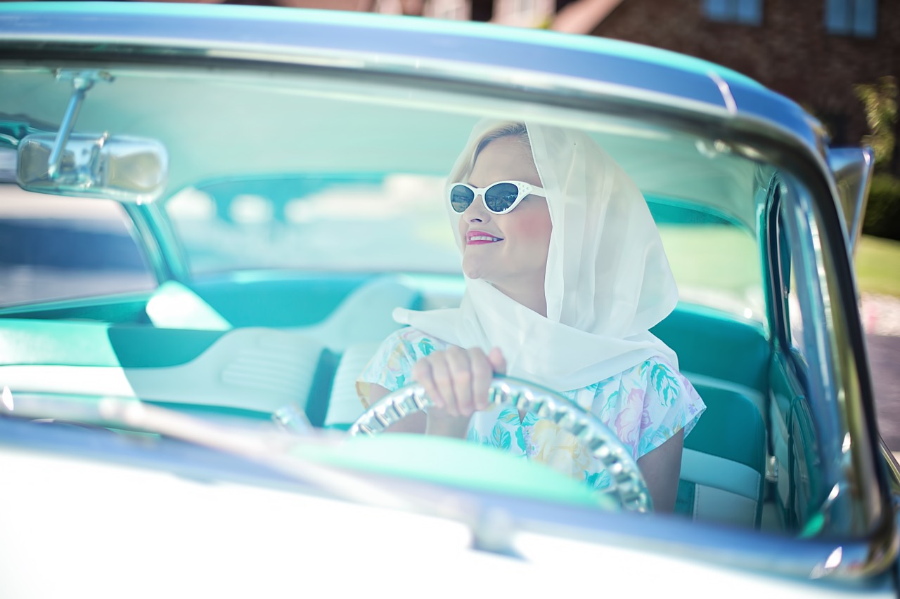 машина, девушка, автопрокат