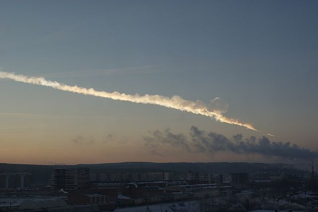 640px-Ekaterinburg_view_of_2013_meteor_event