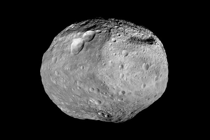 Один из известных крупнейших астероидов Vesta. Фото: NASA