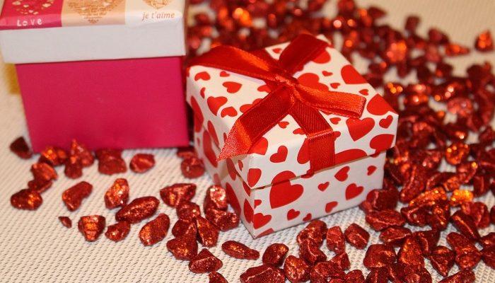 Подарки бывают разные: практичные, деловые, романтические