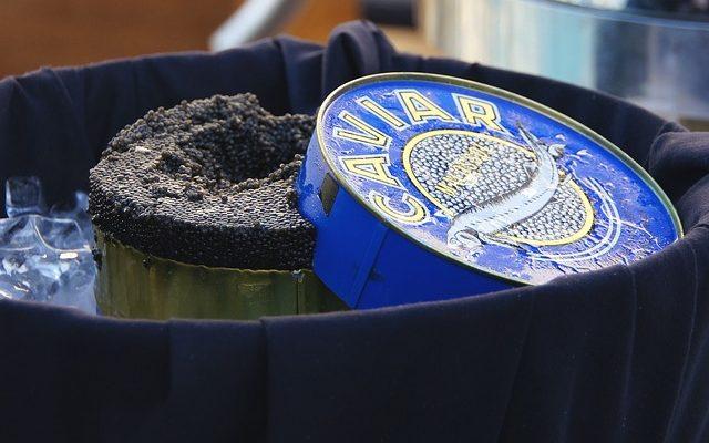 Чёрная икра: от повседневной пищи рыбака до деликатеса к царскому столу